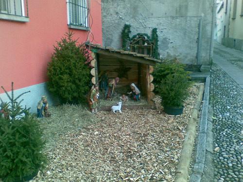 Natale 2010 i presepi di vira sul lago maggiore in - Presepi da esterno idee ...