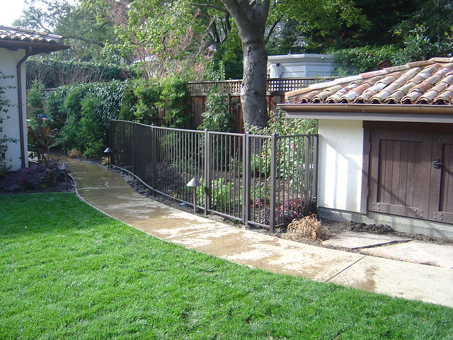 Fencing home depot for Dog run fence home depot