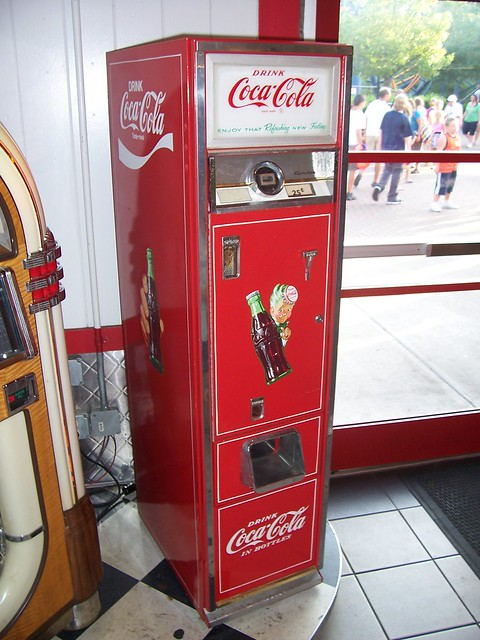 Slender Vintage Coke Machine Flickr Photo Sharing