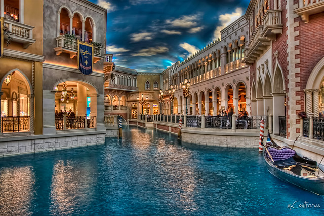 shopping grand canal shoppes venetian vegas
