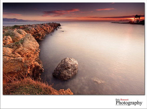 longexposure autumn sea mer seascape france sunrise canon landscape photography rocks europe wideangle côtedazur explore paysage canonef1740mmf4lusm 2010 waterscape slowshutterspeed capdantibes frenchriviera baiedesanges provencealpescôtedazur singhray adobephotoshopcs3 canoneos5dmarkii ericrousset bwslimksmmrccircularpolarizerfilter singhray3stopreversegndfilter
