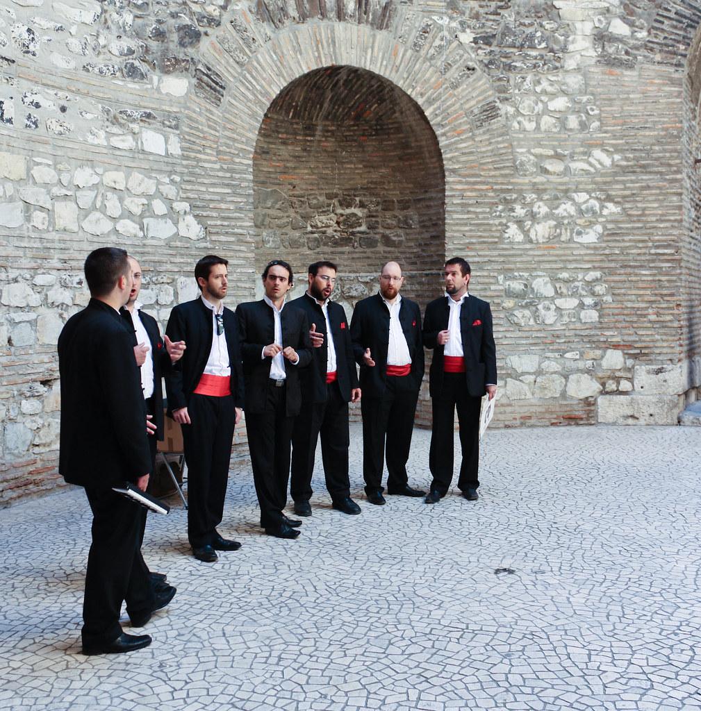 Split Singers