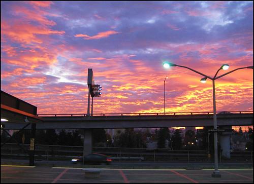 canon sd1100 bart oakland california ca usa sunrise train commute freeway powershotsd1100is macarthur 24 stickneydesign lifelover4 hughstickney