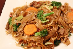 noodle, mie goreng, bakmi, shahe fen, beef chow fun, japchae, hokkien mee, char kway teow, food, dish, chinese noodles, yaki udon, pad thai, cuisine, chow mein,