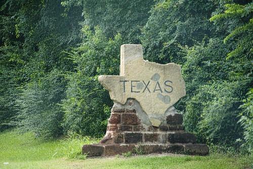 nikon louisiana texas bethany highways tamron shreveport stateline lonestarstate horwath deberry tamronlens us79 boundarymarkers d700 rayhorwath statemarkers tamron28mm300mmlens usroute79