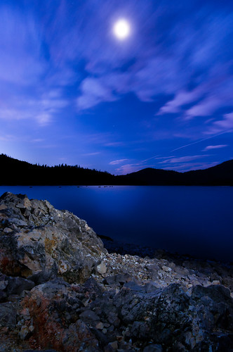 ca longexposure moon lake lightpainting vertical sunrise landscape us bluehour redding whiskeytownlake nothdr