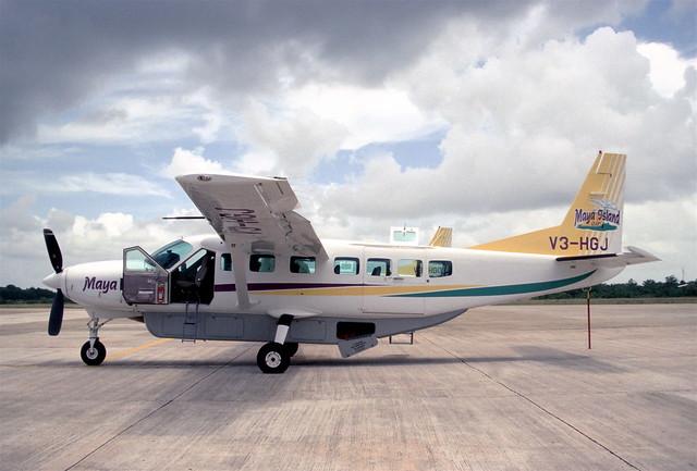 255ah - Maya Island Air Cessna 208B Grand Caravan; V3-HGJ@BZE;04.08.2003