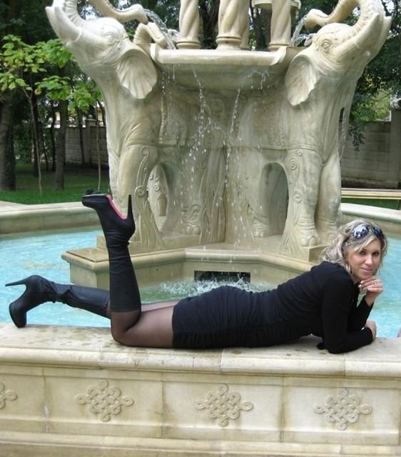 HQ Photo Porno Latex corset transformation nails