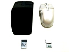 hand(0.0), finger(0.0), brand(0.0), electronic device(1.0), multimedia(1.0), gadget(1.0), mouse(1.0),