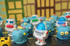 Robots vs Dinos: a baby shower cakeball extravaganza!