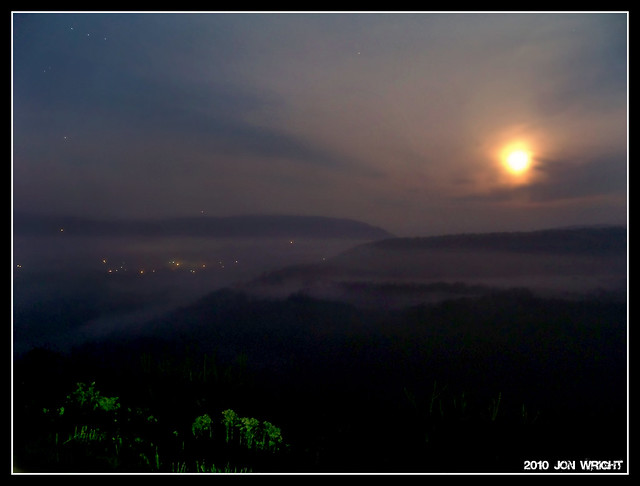 Moonsetting over Great Cacapon