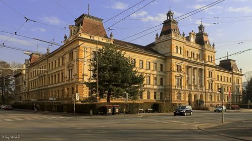 austria tirol österreich cityscape tyrol innsbruck öbb historicalbuilding 1899 bundesbahndirektion kaiserfranzjosefi