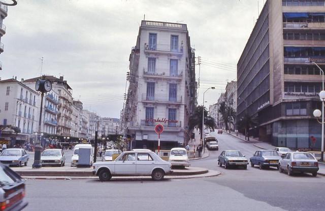 Ann es 80 flickr photo sharing - Architecture des annees 80 ...