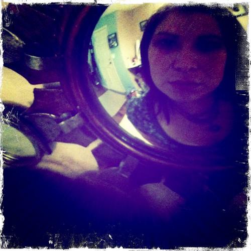 amanda mirror view hipstamatic robotoglitterlens kodotxgrizzledfilm