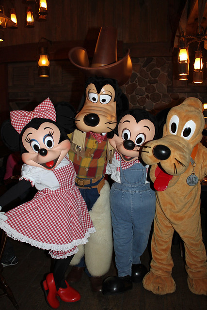 Minnie, Goofy, MIckey and Pluto