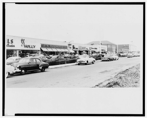 Levittown Center shopping center-1957