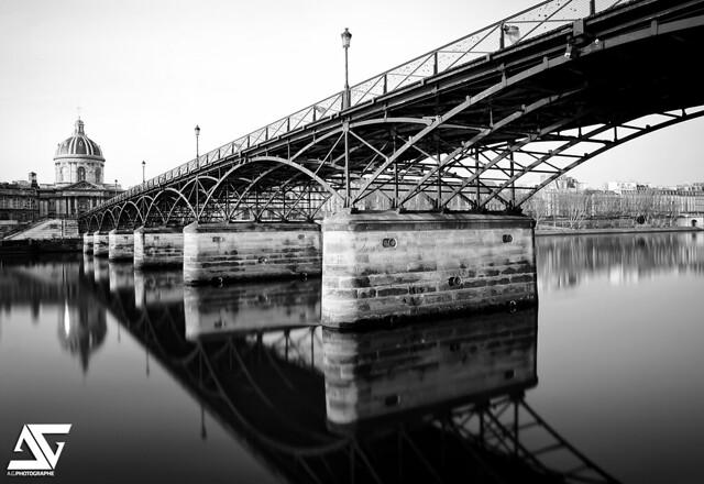 B&W Pont des Arts