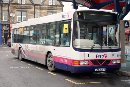 First West Yorkshire 61076, R462JFS.