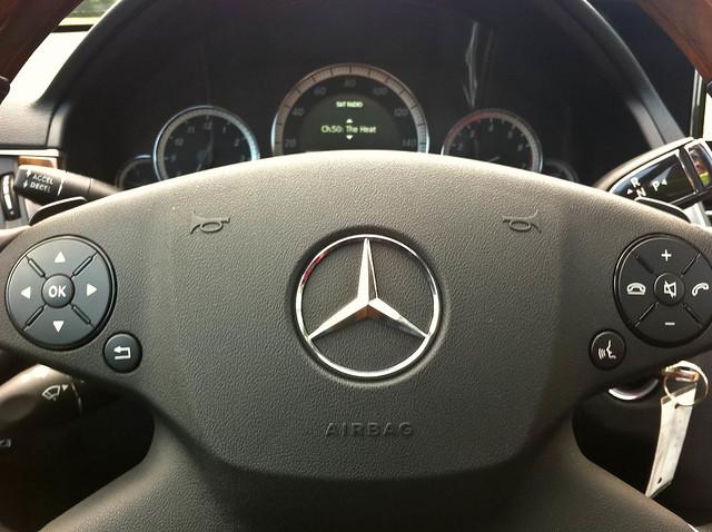 2010 mercedes benz e350 steering wheel flickr photo for Mercedes benz steering wheel control buttons