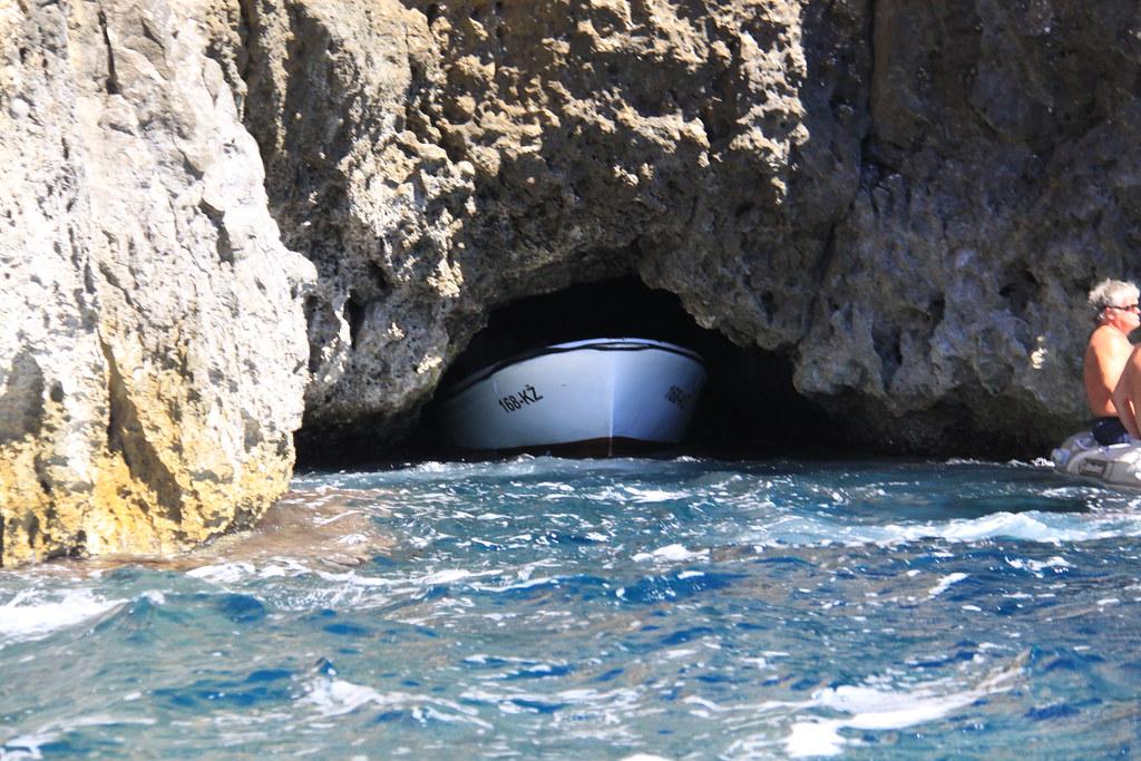 Entrada a la Cueva Azul. Foto: Jeremy Vandel