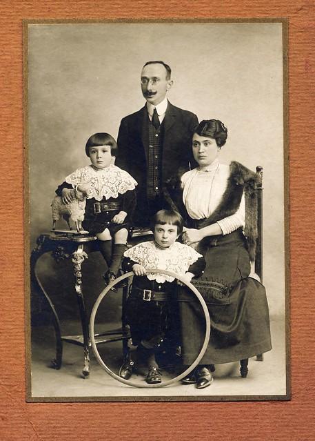 Family portrait, ritratto famiglia
