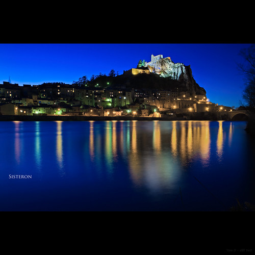 city longexposure blue david water night canon reflections river landscape photography lights photographie dusk thomas citadel 7d 365 hdr sisteron 17mm project365 thomasdavid defi365 thomasdavidphotography thomasdavidphotographie
