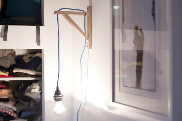 Homemade Wall Lamps : moveSlightly: DIY: Wall-Mounted Bulb Lamp