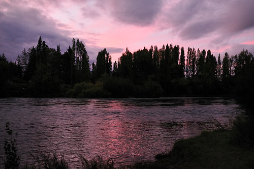 pink sunset newzealand sky sun color colour water river nikon purple dusk wanaka d300 alberttown cluthariver