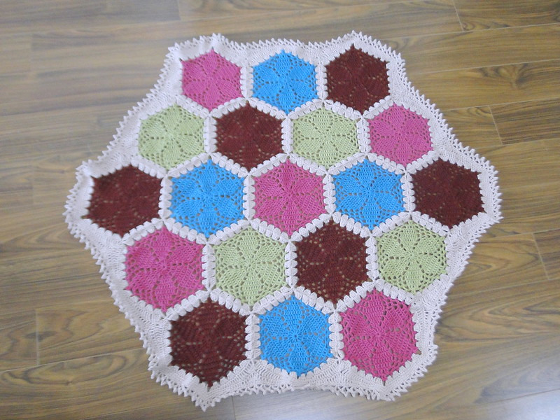lacy hexagon blanket