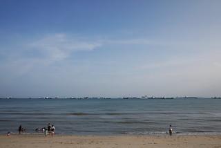 East Coast Park Area F 1097 मीटर की लंबाई के साथ समुद्र तट की छवि. beach lumix singapore panasonic f25 eastcoastpark m43 14mm gf1