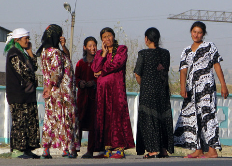 Colourful Uzbek women at petrol stop | by retrotraveller