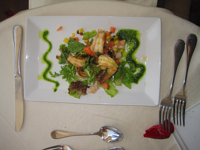 el-convento-boutique-restaurant-romantic-dinner-antigua-guatemala-shrimp-salad