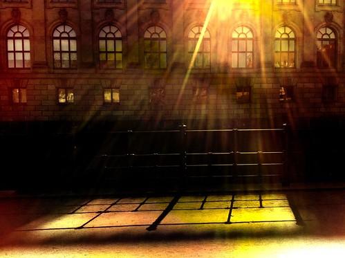 street light sunset shadow urban sun berlin art weather silhouette museum architecture germany garden licht sonnenuntergang angle fenster centre perspective center stadt sascha architektur photostudio sonne mitte schatten garten wetter perspektive museumsinsel iphone bodemuseum monbijoupark museumisland coolfx fxphotostudio sascha2010 saschaunger