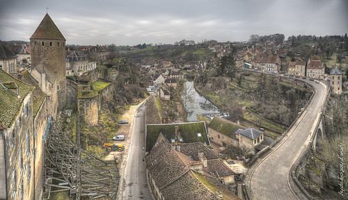 road bridge winter france cold tower river ancient support looking view traffic towers medieval historic valley ramparts pont bleak fortification strategic darkages shoring semurenauxois cotedor pontjoly