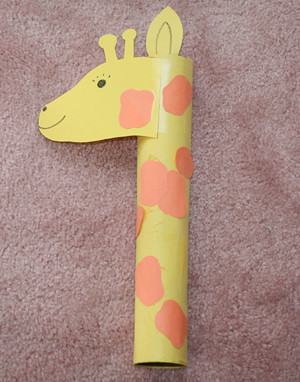 Kid crafts 101 paper towel tube tuesday the giraffe for Paper towel cardboard tube crafts