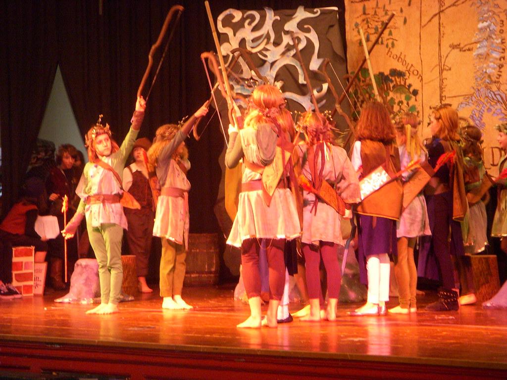 Hobbit Shots 031 Wood Elves And Elven Attendants Gather Th