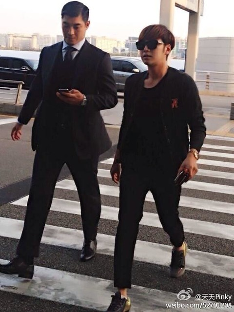 [Pics] JKS departs from Seoul to Beijing_20140425 14019396975_2ae76d0c48_z