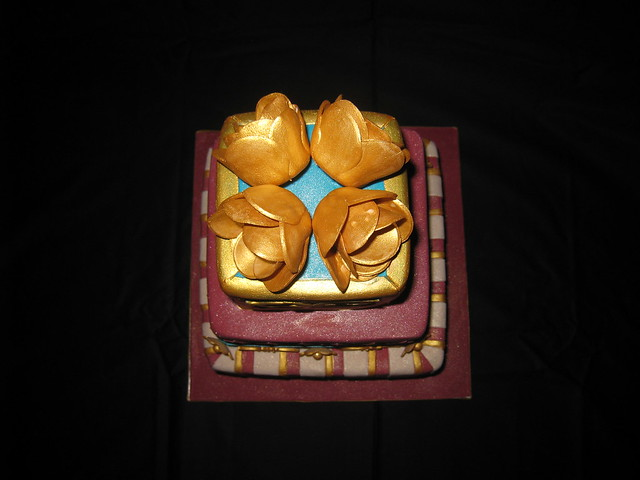 Indian Bollywood with Gold Themed Wedding Cake Aerial View