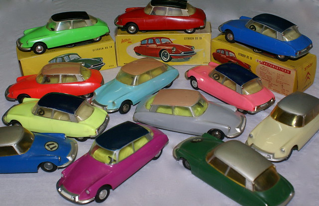 Paya Citroen DS, Spanish colours in scale 1/32