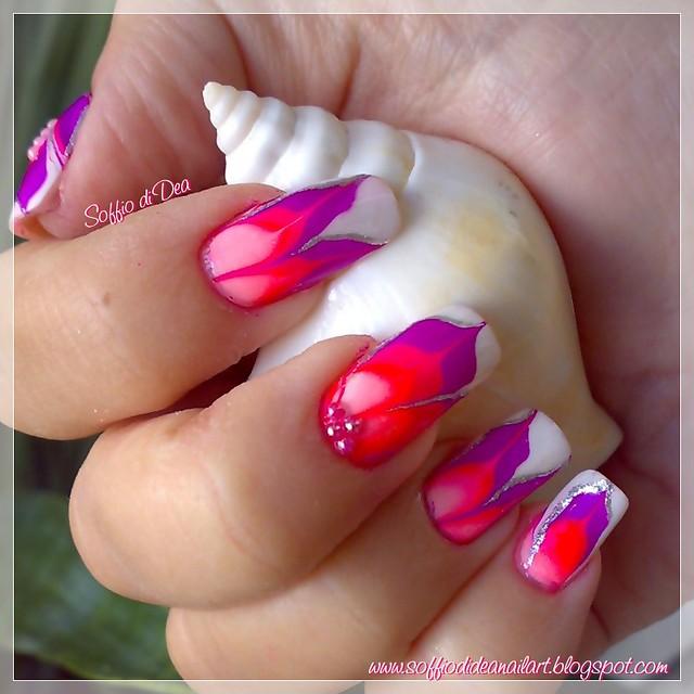 """Flowers"" Water Marble Nail Art"
