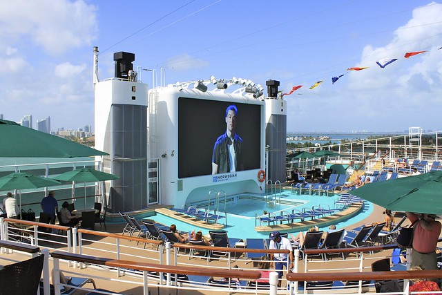 Norwegian epic western caribbean cruise flickr photo for Epic pool show
