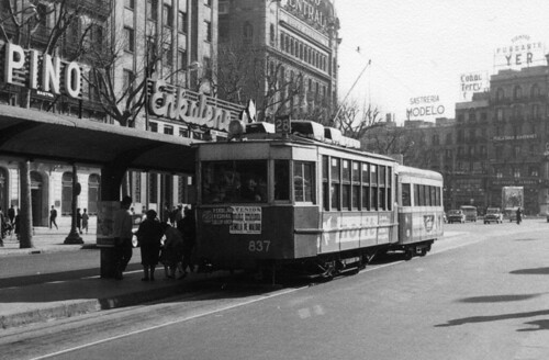 Barcelona tram 837 and trailer