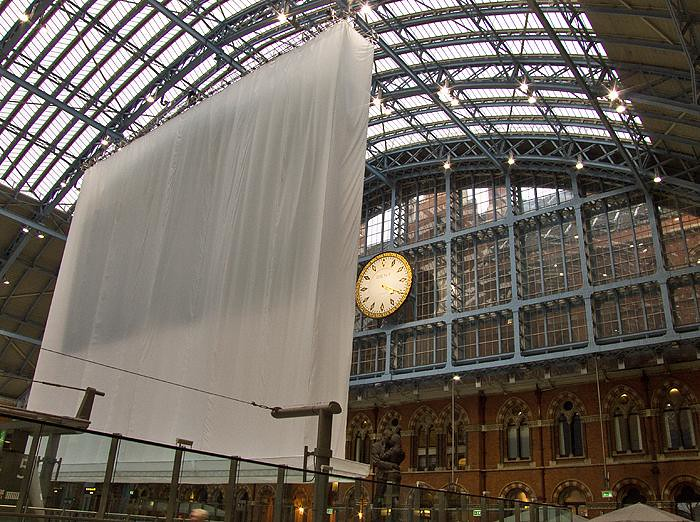 2012 Olympic Rings waiting to be unveiled - St Pancras Station, London