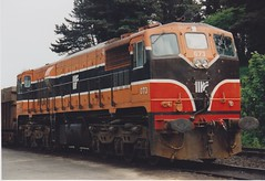 passenger car(0.0), electric locomotive(0.0), vehicle(1.0), train(1.0), transport(1.0), rail transport(1.0), freight car(1.0), locomotive(1.0), rolling stock(1.0), track(1.0), land vehicle(1.0), railroad car(1.0),
