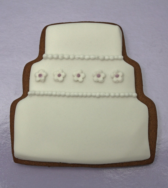 Wedding cake gingerbread wedding favour style 1