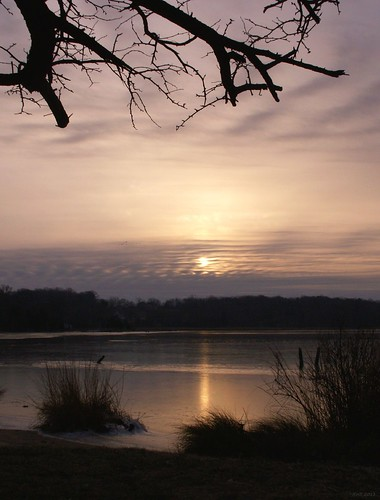 morning sun cold art film clouds analog 35mm dawn asahi pentax kodak maryland mesuper stmaryscounty gold400 bretonbay soligorf35452880mmzoommacrolens pentaxart stleonardmaryland