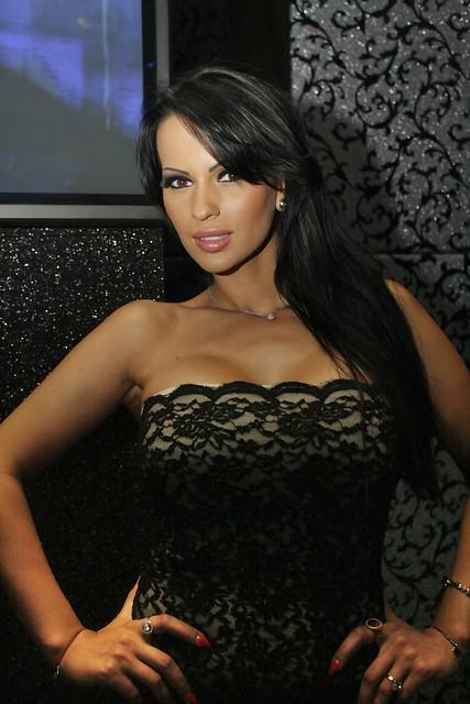 Pic5-Adina Barbu-Heave...