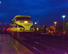 Photographing the Incoming Amtrak Cascades from the Yellow Line