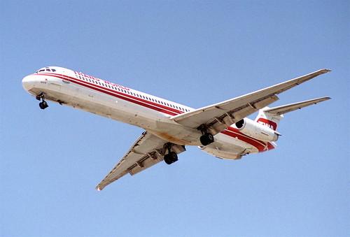 TWA MD-82; N909TW@LAS;01.08.1995