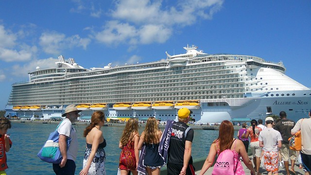 Cruise ship - Allure of the Seas